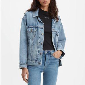 Levi's Jackets & Coats - NWOT LEVIS TRUCKER JACKET